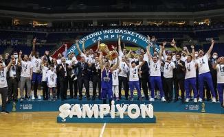 Anadolu Efes, 2020-2021 sezonunun şampiyonu oldu