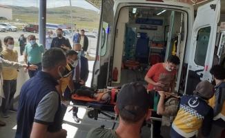 Kars'ta feci kaza: 1 asker şehit oldu, 3 sivil öldü
