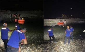 Dicle'de mahsur kalan 21 kişi AFAD ve JAK ekiplerince kurtarıldı