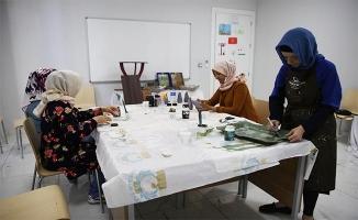 Haliliye'de eski ürünler sanata dönüşüyor