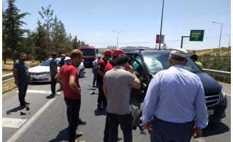 Şanlıurfa'da minibüs ile otomobil çarpıştı: 2 yaralı