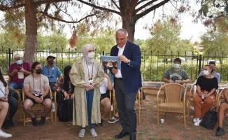 Bakanı Ersoy, Şanlıurfa'da yabancı öğrencilerle buluştu