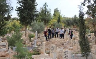 Şanlıurfa'da mezarlıkta çanta içerisinde bebek cesedi bulundu