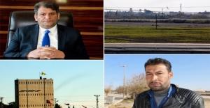 Suriyeliler Sınıra Asılan Bez Parçalarına Tepkili