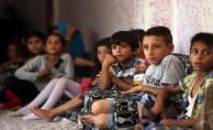 Akçakale'de Eski Hastane Binası Suriyelilere Yuva Oldu