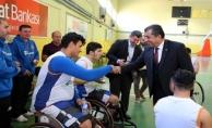 Başkan Atilla, U19 Milli Takıma Baklava İkram Etti