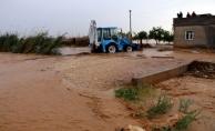 Şiddetli yağış Eyyübiye ve Harran'da taşkına neden oldu