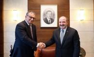 Bakan Varank, 5G teknolojisinde çığır açan Türk profesörle görüştü