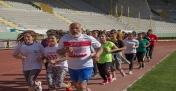 Urfalı Emektar Atlet Gençlere Taş Çıkarıyor