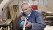 Urfa'da altı asırlık dükkanda fırın küreği üretiyor