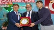 Osman Güzelgöz tarım fuarını gezdi
