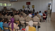 Gençlerden askerlere moral ziyareti